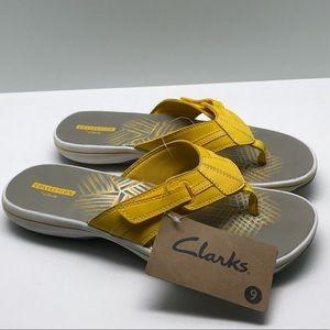 Clarks Women's Brinkley Bree Yellow Flip-Flops